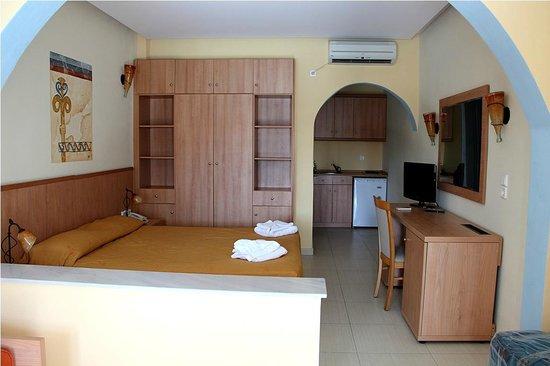 Aegean Plaza Hotel: наш номер