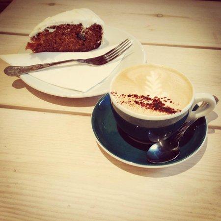 Flint Owl Bakery: Great coffee