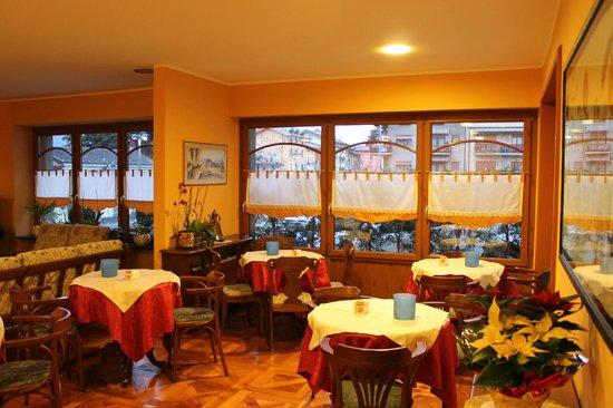 Hotel Elena: sala colazione