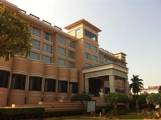 Royal Orchid Central Kireeti: Hotel