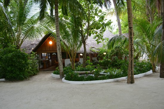 Thulhagiri Island Resort: Reception Area