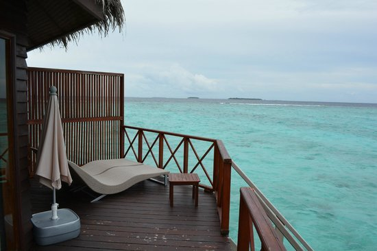 Thulhagiri Island Resort: Sun lounge Water Bungalow