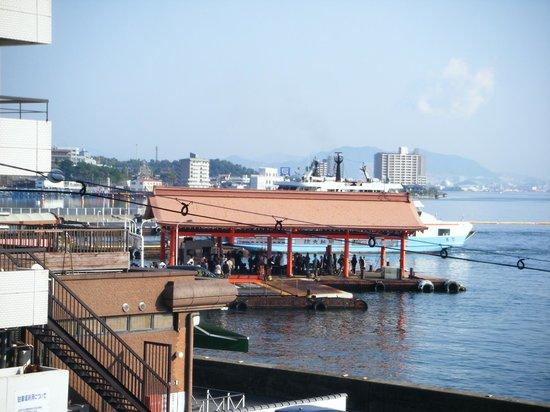 Backpackers Miyajima: Ferry from the balcony