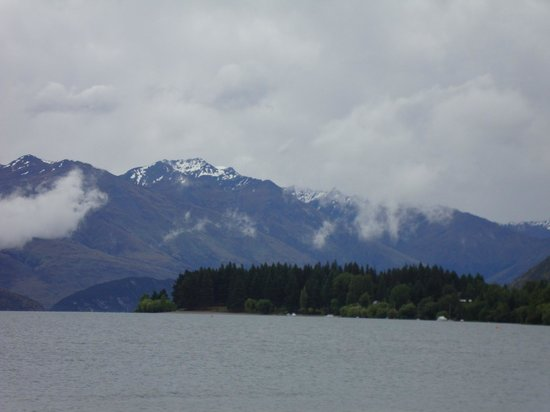Bella Vista Wanaka: View to Lake Wanaka