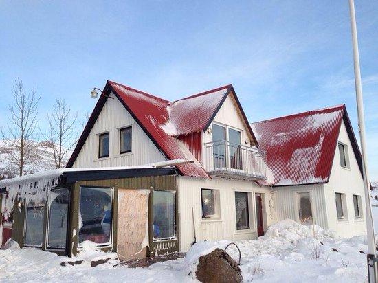Minna-Mosfell Guesthouse: Warm huis in een koude omgeving