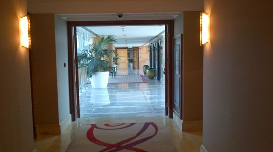 Jood Palace Hotel Dubai: Corredor