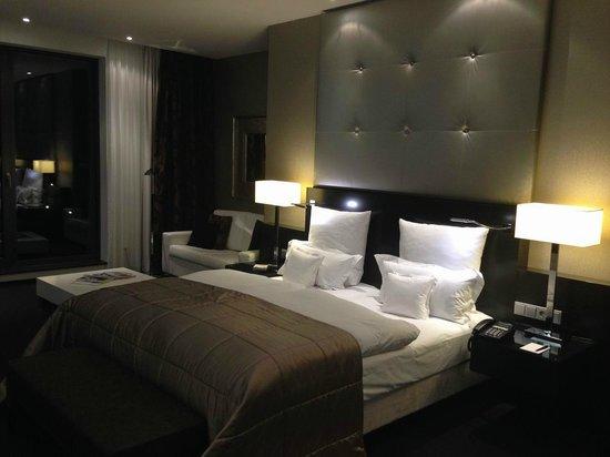 Relais & Chateaux Hotel Burg Schwarzenstein: Schlafbereich