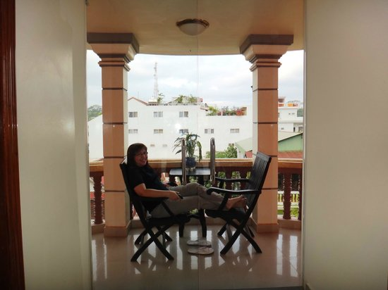 MotherHome Guesthouse : the veranda