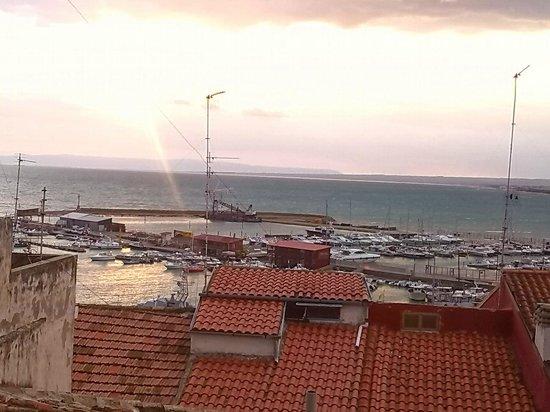 Locanda Alfieri: vista del porto