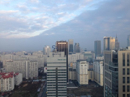 Hilton Warsaw Hotel & Convention Centre: Blick nach Osten (city)