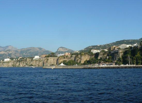 Villaggio Santa Fortunata Campogaio: baie de sorrente, vue de la plage
