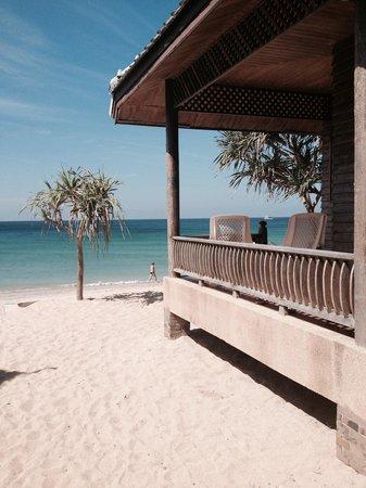 Baan Pakgasri Hideaway: Blick zum strand