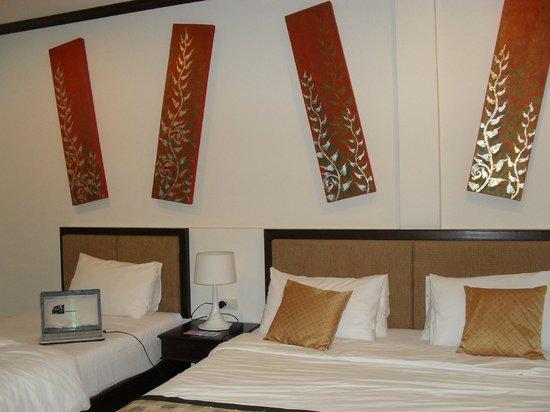 Phu Kamala Suites: Our hotel room