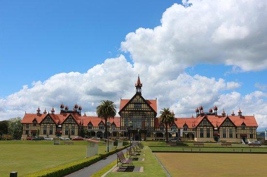 B&B @ The Redwoods: Rotorua Spa