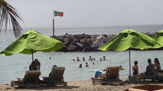 Carambola Beach Club: The sea is littered with teenagers having fun