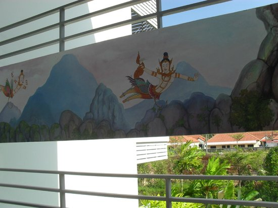 Phu Kamala Suites: Murals on the stairways hand painted