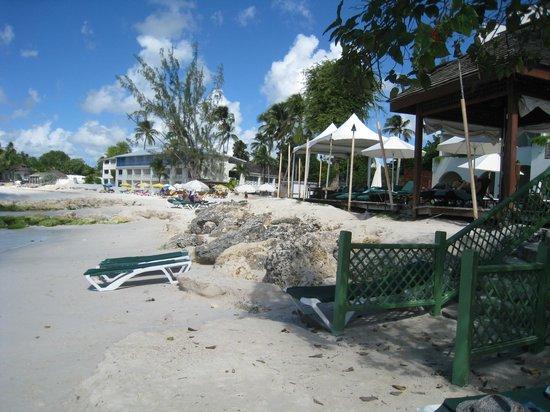 Mango Bay All Inclusive : Low tide