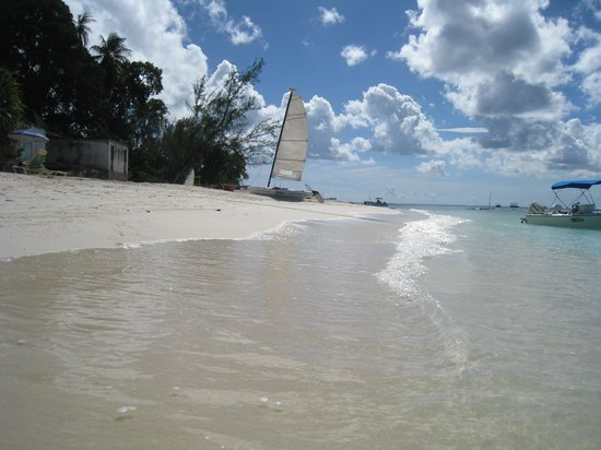Mango Bay All Inclusive: Hobie-Cat  (only one working)