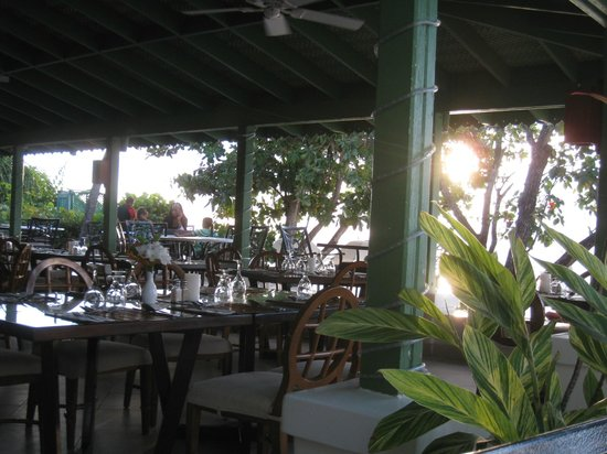 Mango Bay All Inclusive: Late Afternoon at Restaurant