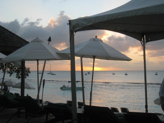 Mango Bay All Inclusive: Sunset Beach View