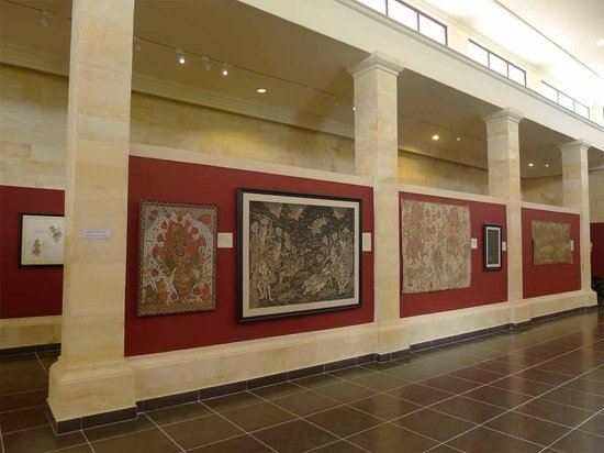 Museum Puri Lukisan : exhibition of wayang paintings and Ketut Madra's paintings
