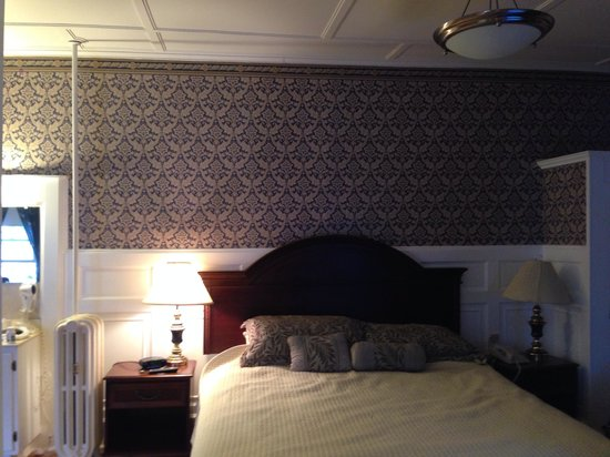 Thayers Inn: King room