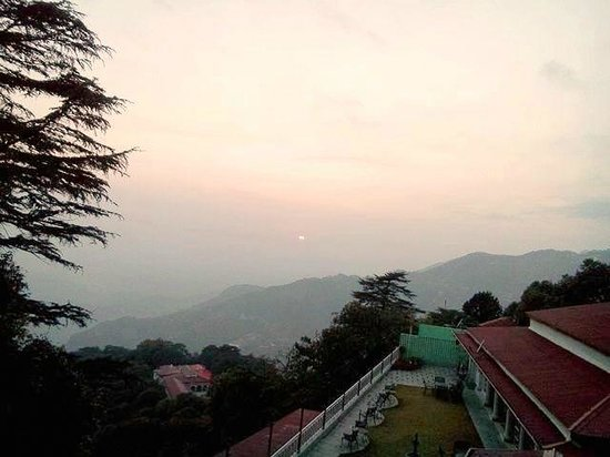 Karma Vilas Resort : Sunset from the resort
