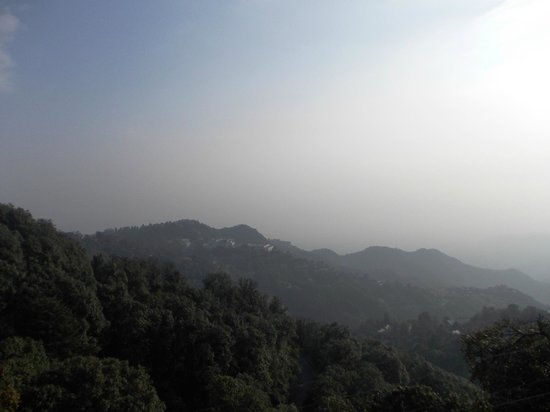 Karma Vilas Resort : The hills as seen from the terrace