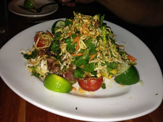 Houston's: thai steak and noodle salad