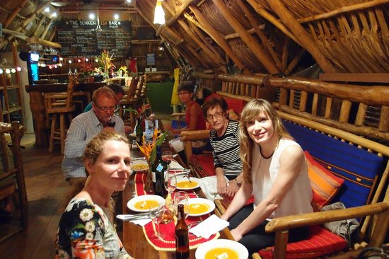 Tranquilseas Eco Lodge and Dive Center: happy guests !