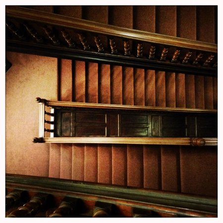 Palmers Lodge - Swiss Cottage: staircase