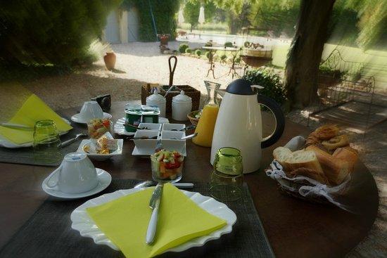 Côté Provence : Breakfast!