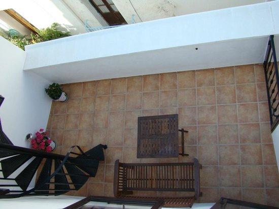 Dios Esta Bien: Roof balcony