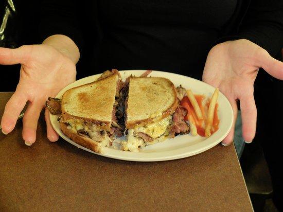Eisenberg's Sandwich Shop : Pastrami Ruben