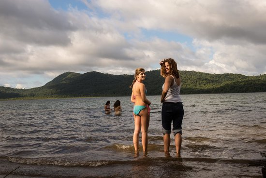 The Stable Arenal (El Establo): taking a dip in lake couter