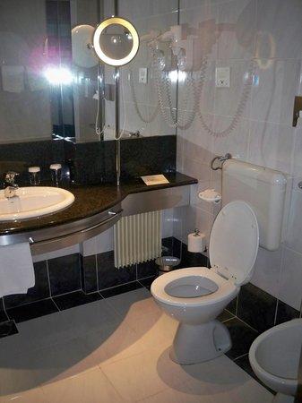 Grand Hotel Union Business: nice bathroom