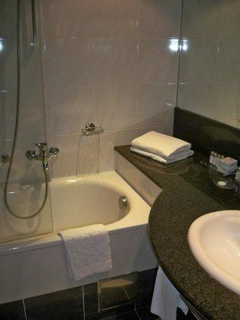 Grand Hotel Union Business: bathroom2