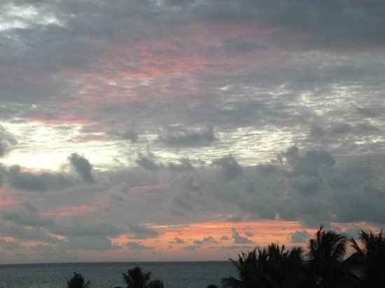 Secrets Maroma Beach Riviera Cancun: sunset from the room