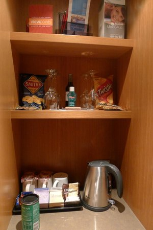 North Sydney Harbourview Hotel : mini bar