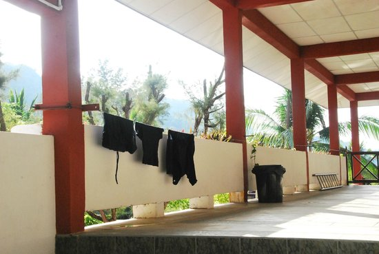 Arwana Perhentian Eco Resort & Beach Chalet : You can hang up your swimclothes for drying