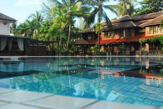 Arwana Perhentian Eco Resort & Beach Chalet : Pool, nice and quiet yet