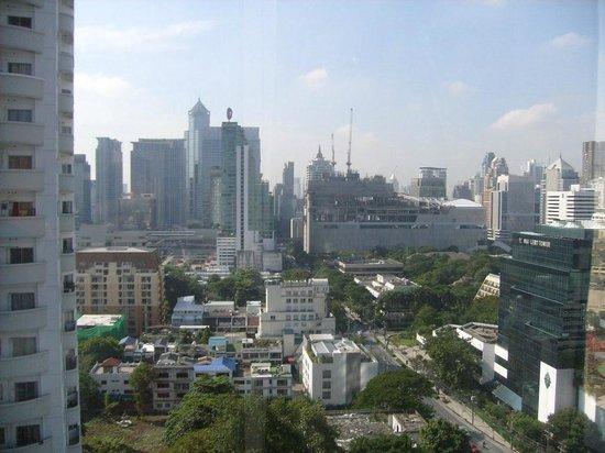 Adriatic Palace Bangkok: Вид из номера