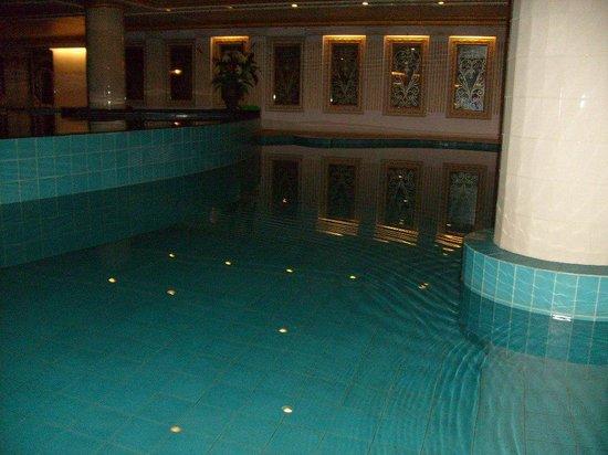 Adriatic Palace Bangkok: Бассейн