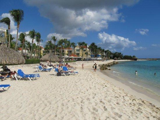 Curacao Marriott Beach Resort & Emerald Casino : Hotel Beach
