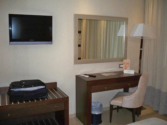 Theartemis Palace Hotel: room2