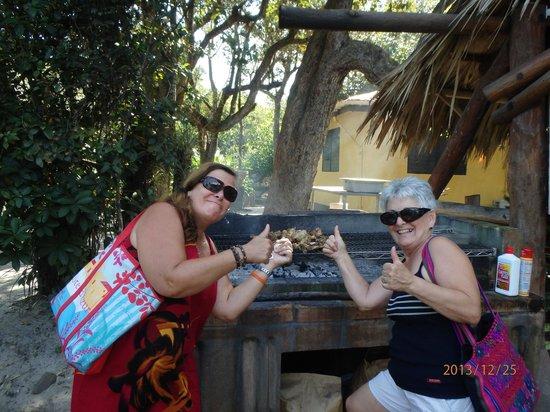 Robert's Grove Beach Resort: le BBQ  petit resto a ne pas manquer