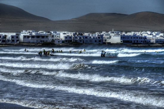 Surf School Lanzarote: Surf school at Famara Beach, Lanzarote