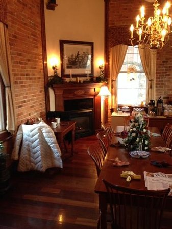 Christopher Dodge House: breakfast room