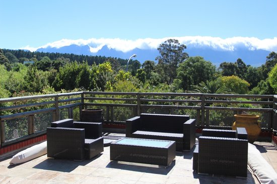 Hottentots Mountain View : The deck with a view on the Hottentots mountain range