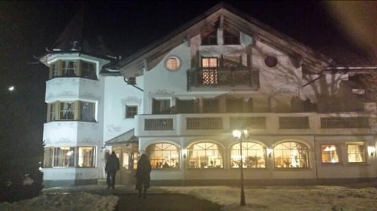 Turmhotel Gschwendt: hotel vista esterno